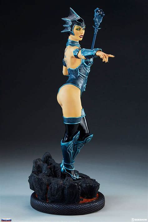 Masters of the Universe - Sideshow Collectibles - Evil-Lyn ...