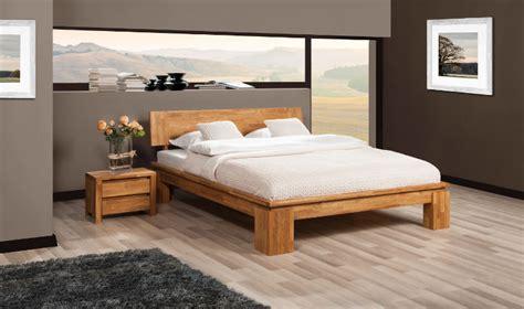 chambre a coucher chene massif moderne lit en chêne massif contemporain vinci haut vente
