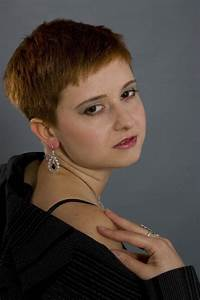 Woman Boyish Hairstyle Image