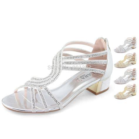 laras  bar strappy medium heel sandals shoes woman