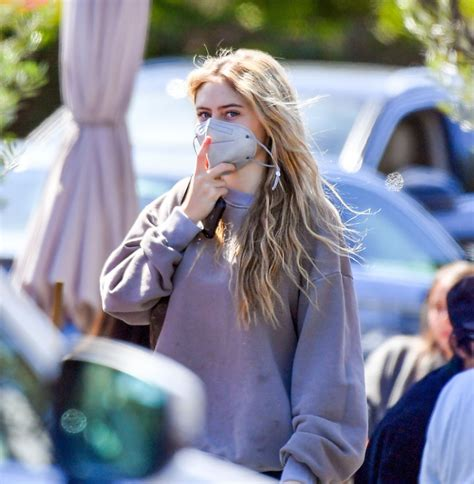 Helene leni boshoven samuel is the daughter of heidi klum and flavio briatore, and the adopted daughter of seal. Leni Klum - Out in Malibu 03/21/2021 • CelebMafia