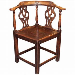 Antique english corner chair at 1stdibs for Antique corner chair