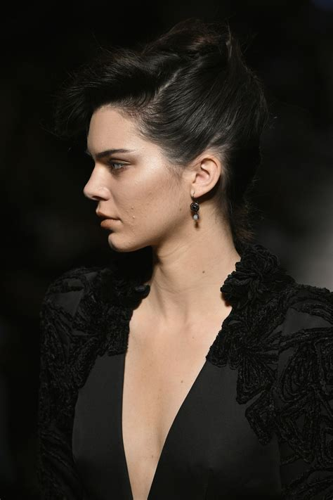 Kendall Jenner Walks Bottega Veneta Show in Milan 2/25 ...