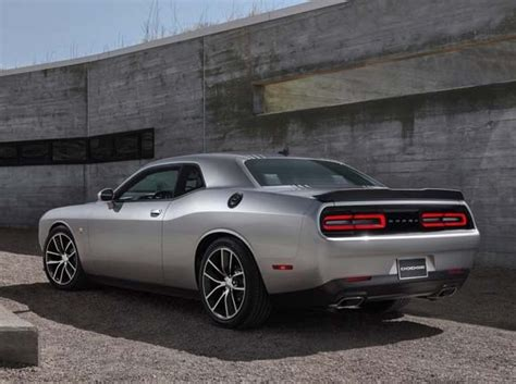 2015 Dodge Challenger R/T Shaker returns with 485 hp