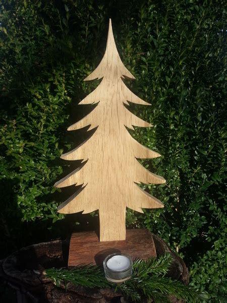 weihnachtsdeko aus holz vorlagen tannenbaum aus heimischer fichte ulis bastelei auf dawanda beton und holz holz