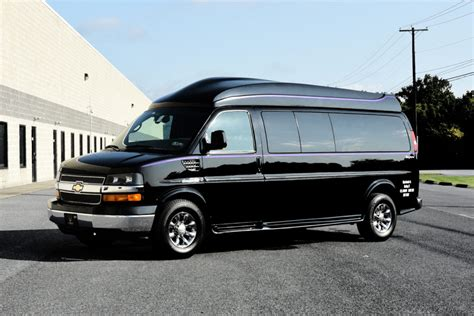 Small Limousine by Unique Limousine View Our Small Corporate