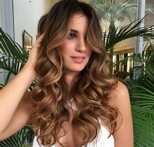 Balayage Cheveux Frisés : le balayage pour brune quelle est la meilleure option personnalis ~ Farleysfitness.com Idées de Décoration