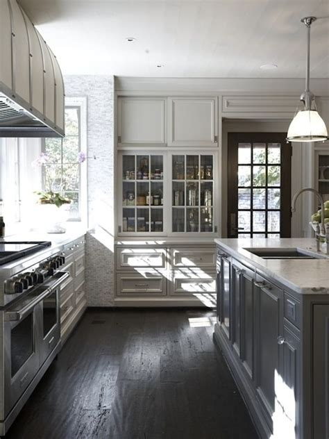 tile flooring kitchen 25 best ideas about gray and white kitchen on 2748