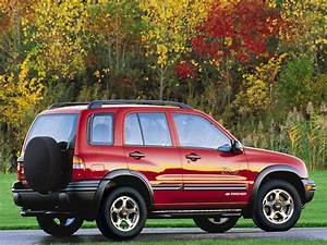 1998 Chevrolet Tracker Suv Specifications  Pictures  Prices