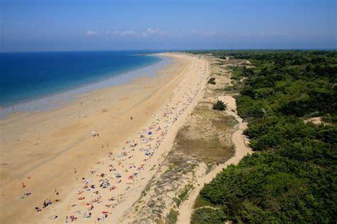 location ile de r 233 maison avec grand jardin clos c 244 te sauvage et proche de la plage