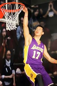 Waxsanity Jeremy Lin Gets Statue At Madame Tussauds