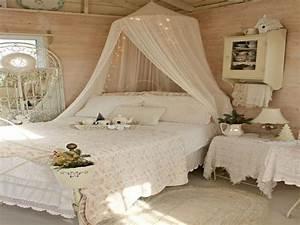 Schlafzimmer Romantisch Dekorieren : nostalgische und romantische schlafzimmer ~ Markanthonyermac.com Haus und Dekorationen
