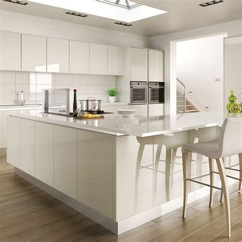 gloss kitchens ideas hi gloss white kitchen with l shaped island gloss