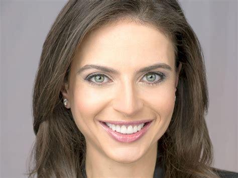 Katie Couric Announces Cbs Evening News Departure