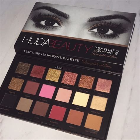 swatches  huda beauty rose gold palette