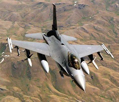 Global Aircraft -- F-16 Fighting Falcon