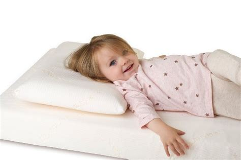 best toddler pillow how to choose the best toddler pillow