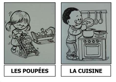les jeux de la cuisine les quot coins quot de la classe poupées cuisine voitures
