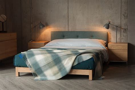 iona  bed  buttoned headboard natural bed company