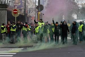 'Yellow jacket' tax protests spread to Belgium