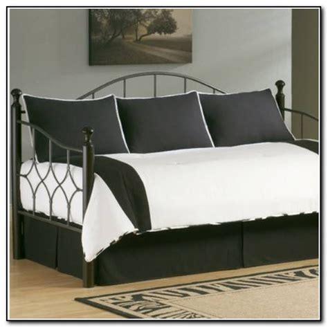 Pink Daybed Bedding Sets   Beds : Home Design Ideas