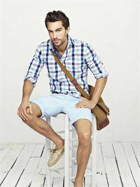 What To Wear With Light Blue Shorts - Trendy Clothes