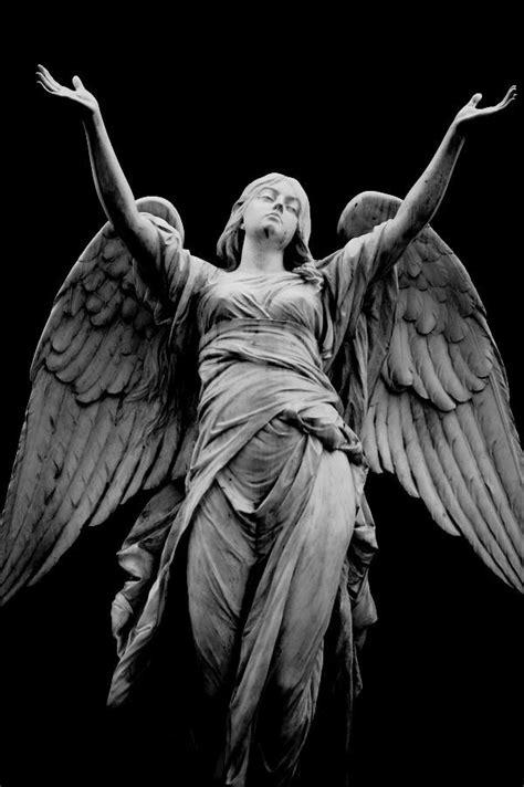 Mi Ángel de la Guarda. | Artworks in 2019 | Angel statues, Angel sculpture, Statue tattoo
