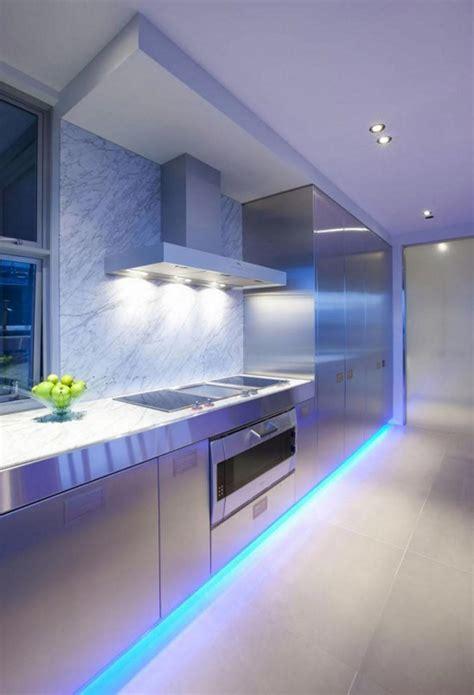 eclairage cuisine plafond l éclairage led une précieuse astuce luminaire pour