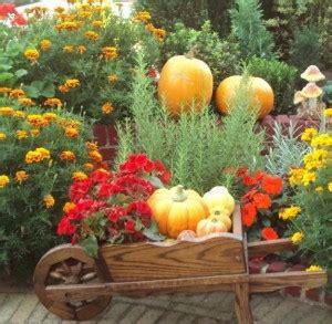 Herbst Gartenarbeit by Gartenarbeit Im Herbst Dein Bauguide
