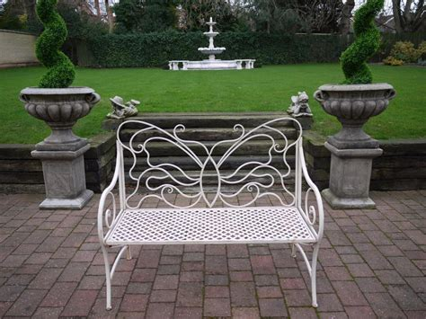 banquettes en fer forg 233 pour un jardin romantique