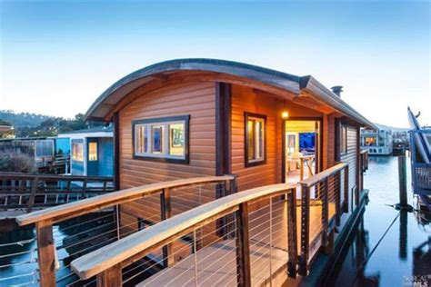 Buy A Boat Home by Start Summer Right In One Of These 5 Houseboats