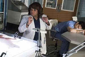 "Grey's Anatomy Season 15 Episode 17 ""And Dream of Sheep ..."