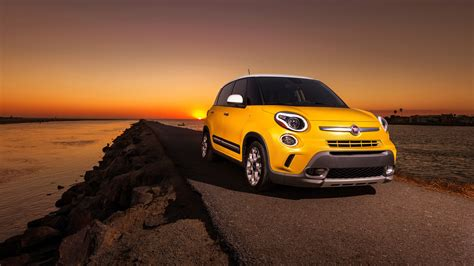 Fiat 500l Trekking Wallpaper