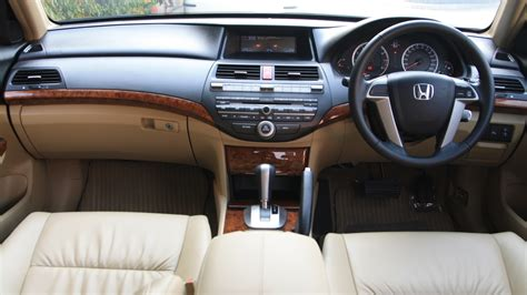 honda accord     interior car  overdrive
