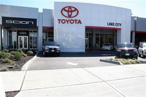 toyota dealers washington toyota lake city seattle wa 98125 4430 car dealership