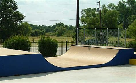 ' Halfpipe Partial Kit-' Wide With Ramp Armor Outdoor