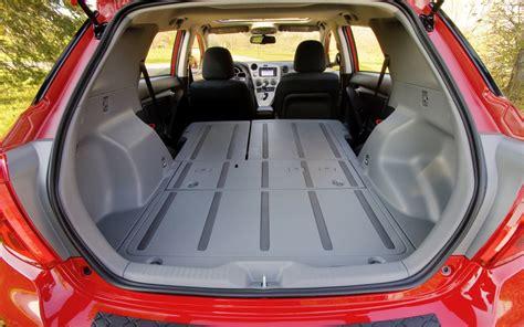 voiture avec banquette avant gr 226 ce au si 232 ge arri 232 re rabattable et un plancher compl 232 tement plat l espace de chargement est