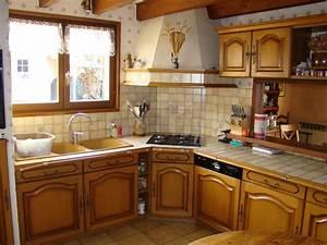 relooker une cuisine rustique en moderne cuisine moderne With idee deco cuisine avec cuisine rustique