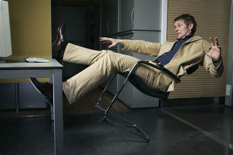 chaise qui se balance prone brits find ways to end up in a e