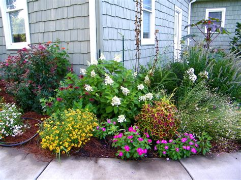 front yard idea on front yard landscaping