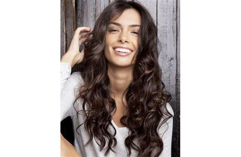 30 Amazing Feather Cut Hairstyling Ideas