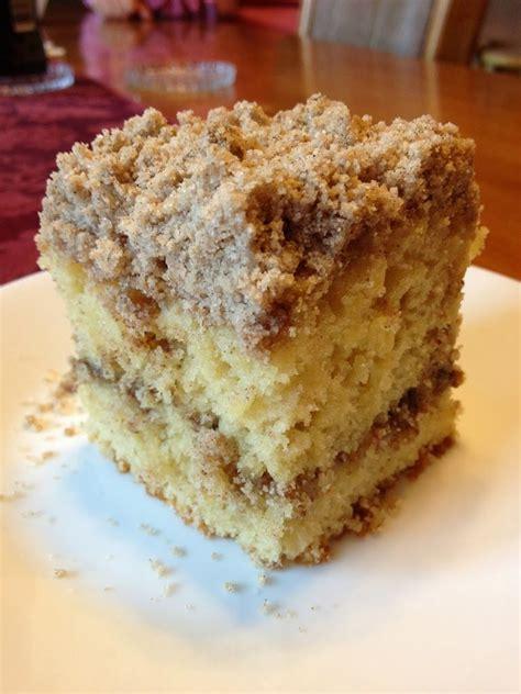 extra crumb cinnamon struesel sour cream coffee cakethis