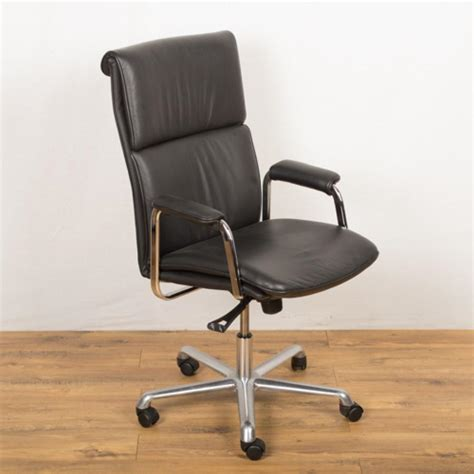 design delphi black leather managers chair