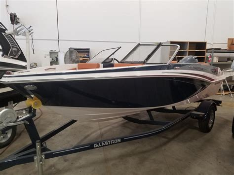 Larson Power Boats Tacoma by Larson Power Boats Northwest Boats For Sale 2 Boats