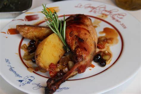 cuisiner le lapin au four lapin roti au four nicoise