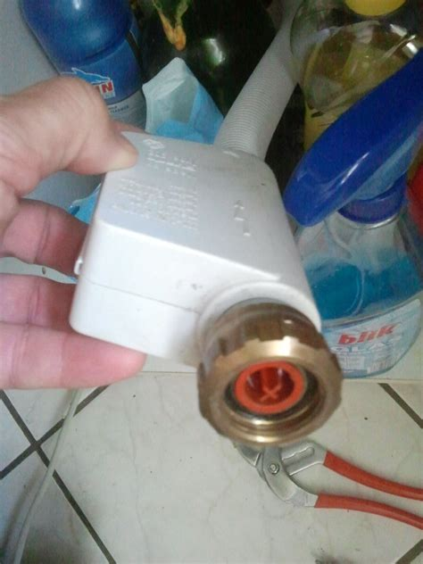 bosch waschmaschine defekt aquastop austauschen abdeckung ablauf dusche