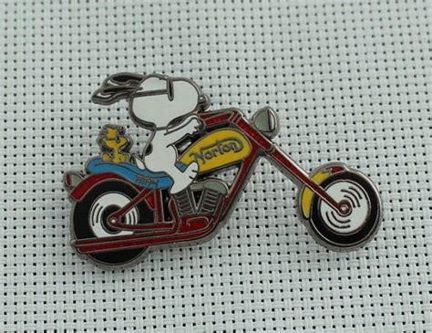 Snoopy Peanuts Pins Motorcycle Norton Bike Woodstock