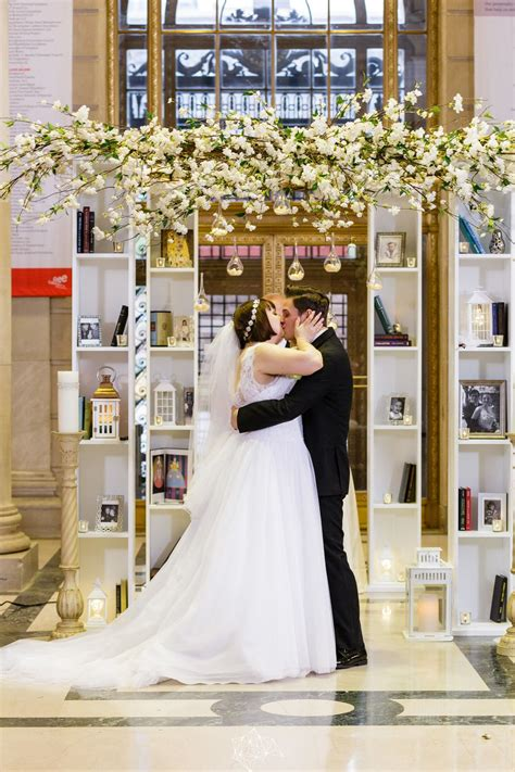 Glamours Great Gatsby Wedding in Philadelphia captured by
