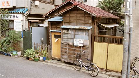 Asian Home : Why Japanese Houses Have Such Limited Lifespans
