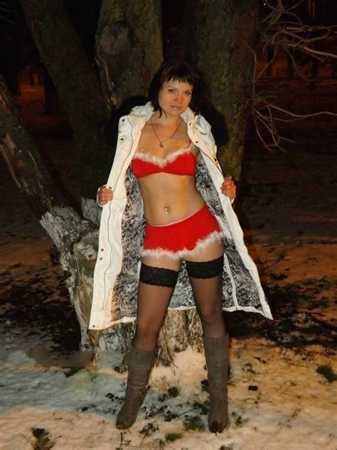 Desperate Russian Wife Walking Nude In Winter Showing Her